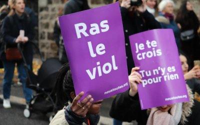 La vague violette – Marche contre les violences faites aux femmes: 49000 personnes rassemblées à Paris